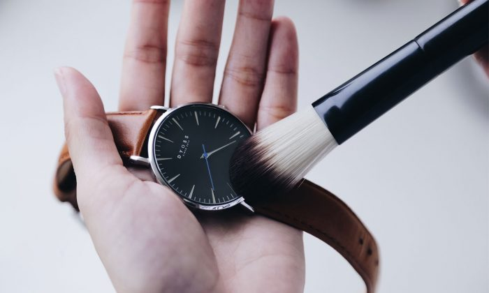 Vệ sinh đồng hồ