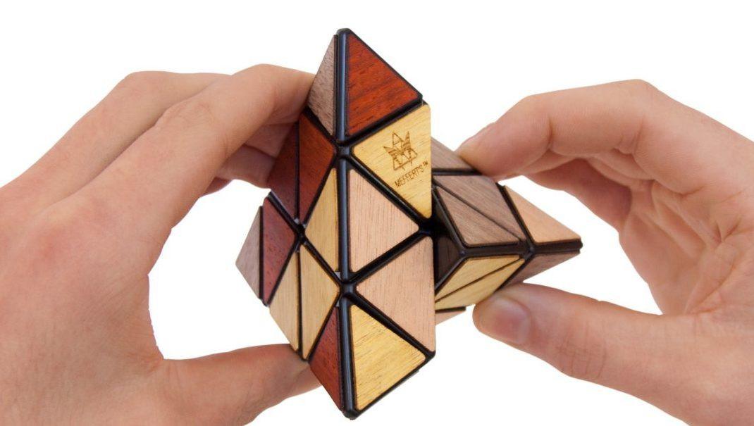 Nắm chắc quy luật chơi Rubik sẽ giúp bạn dễ dàng chinh phục nó
